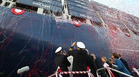 Elbvertiefung liegt auf Eis: Hamburg tauft größtes Containerschiff der Welt