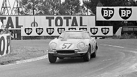 ... und ein Ferrari 275 GTB Competizione, von dem insgesamt nur zwölf Exemplare gebaut wurden.