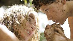 So etwas schweißt zusammen: Maria und Lucas können nur gemeinsam überleben.