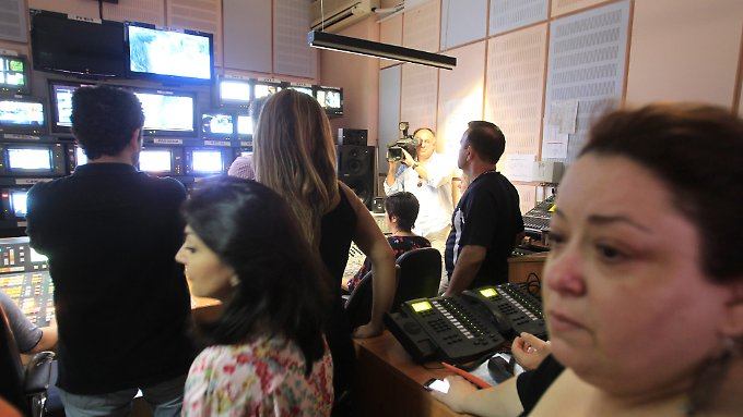 Lange Gesichter beim griechischen Staatsfernsehen: Die Regierung beschloss kurzerhand das Aus von ERT.