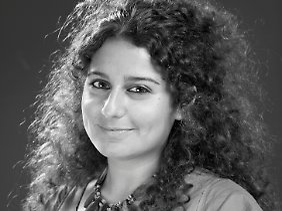 Zeina Abirached wurde in Beirut geboren. Seit 2005 lebt sie in Paris - nicht aus politischen Gründen, sondern weil es im Libanon keinen Comicverlag gibt.