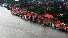 In der Altstadt von Lauenburg werden die Häuser von der Elbe umspült.