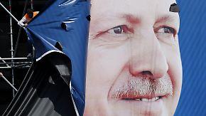Ministerpräsident, Muslim, Machtmensch: Erdoğan spaltet die Türkei