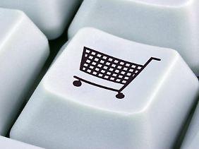 Verkaufen per Tastendruck:Ein eigener Onlineshop lässt sich dank Plattformen wie eBay, Dawanda und Etsy auch ohne viel Computerwissen einrichten.