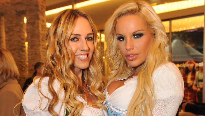 Bitte lächeln und anschmiegen: Loona (l.) und Gina-Lisa Lohfink.