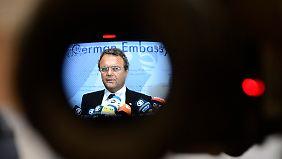 Friedrich verteidigt Spähprogramm: Opposition: US-Reise war ein Desaster