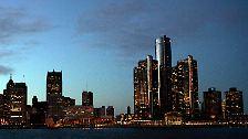 Detroit war einst die viertgrößte Stadt der USA, die stolze Wiege der Autoindustrie, ehe der verheerende Kreislauf aus wirtschaftlichem Niedergang und Bevölkerungsflucht einsetzte.
