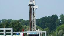 Dieser Bohrturm wird für das Geothermie-Projekt eingesetzt.