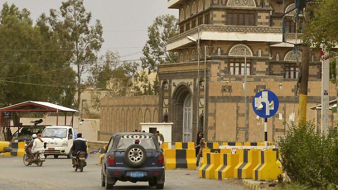 Die US-Botschaft in Sanaa im Jemen - die Amerikaner sorgen sich, ihre Einrichtungen könnten Ziele für Terroranschläge sein.