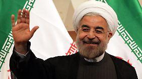 Iran vereidigt neuen Präsidenten: Ruhani kündigt radikalen Kurswechsel an
