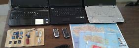 Laptops, Landkarten und eine Sonnenbrille mit eingebauter Videokamera: Die durchaus professionelle Ausrüstung des Rentner-Spions