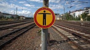 Bahn will Personalproblem angehen: Tausende Pendler sitzen in Mainz weiterhin fest