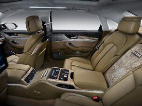Komfortabel und großräumig kommt der Audi A8 lang daher.