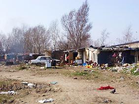"""So """"lustig"""" ist das Zigeunerleben im EU-Beitrittskandidaten Serbien: Roma-Siedlung inmitten Belgrads auf der Nordseite des Flusses Save."""