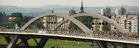 Nach jahrelangem Streit: Waldschlößchenbrücke in Dresden wird eingeweiht