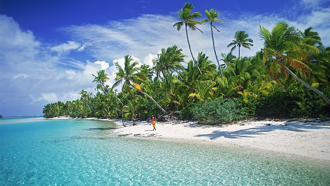 beach of Aitutaki, one of the Cook Islands: The cool surface waters of the eastern equatorial Pacific cools the atmosphere, according to U.S. researchers , re and so slows down the global warming.