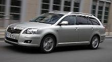 Mit eingelöstem Qualitätsanspruch: Nach Einschätzung von Experten ist der Toyota Avensis ein zuverlässiges Auto, wenngleich ihm Mängel natürlich auch nicht fremd sind. Foto: Toyota