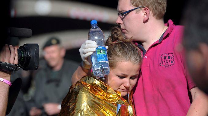 Tote und Verletzte in Duisburg: Massenpanik bei Loveparade