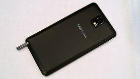Die Rückseite des Galaxy Note 3 hat Samsung in Lederoptik gestaltet.