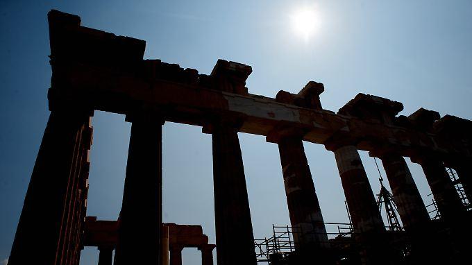 Der eingerüstete Parthenon auf der Akropolis in Athen. Griechenland braucht weitere finanzielle Hilfe, auch über 2014 hinaus.
