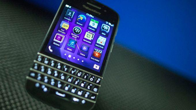 Einst begehrtestes Manager-Accessoire braucht Blackberry nun eine neue Heimat.
