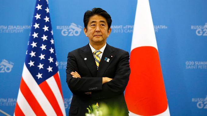 Der Mut zahlt sich aus: Japans Premier Shinzo Abe bekommt die Wirtschaft wieder zum Laufen.