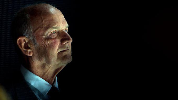 Will erst guillotinieren, wenn er sich ist: Volkswagens Aufsichtsratschef Piech.