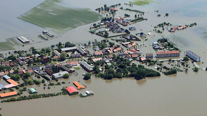 Der Deichbruch am 11. Juni überflutete  Fischbeck.