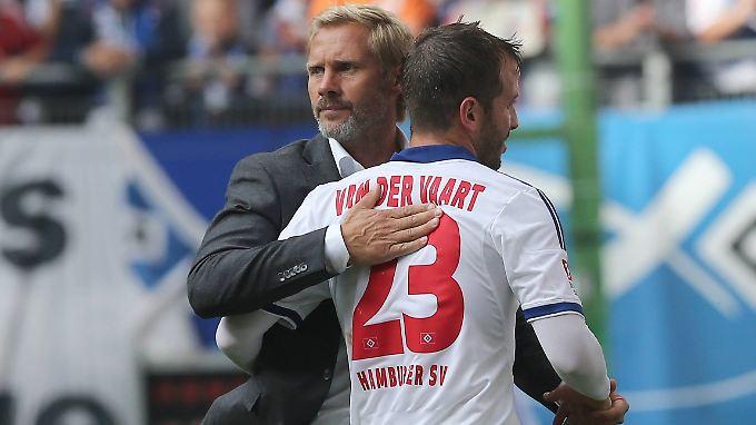 """""""Ich dachte, dass der Coach auch gegen Werder auf der Trainerbank sitzen würde."""" Sagt Rafael van der Vaart über seinen Ex-Trainer Thorsten Fink."""