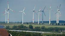 """Pilotprojekt in Sichtweite der A20: Deutschlands größte Versuchsanlage zum """"Aufbewahren"""" von Windstrom in Wasserstoff."""