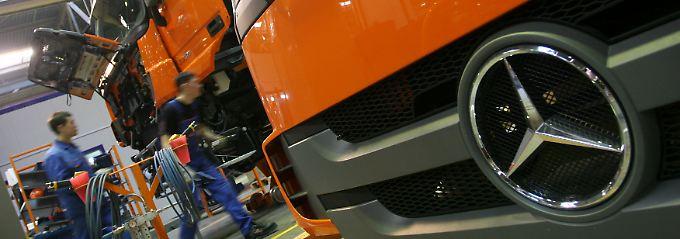 Lkw von Daimler sind wieder mehr gefragt.