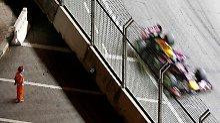 Formel-1-Weltmeister dominiert in Singapur: Vettel glänzt mit Bestzeit