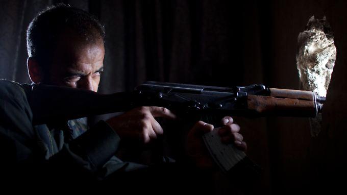 Die Kämpfe zwischen Rebellen und den Regime-Truppen dauern an.