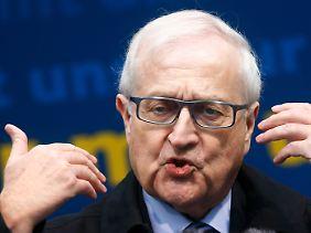 Rainer Brüderle muss um Stimmen von CDU-Wählern betteln. Seine FDP droht, an der Fünf-Prozent-Hürde zu scheitern.