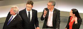 FDP kommt doch noch auf fünf Prozent: Große Koalition am wahrscheinlichsten