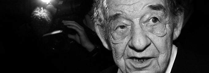 Der Sänger, Jazz-Pianist und Bandleader Paul Kuhn starb im Alter von 85 Jahren.