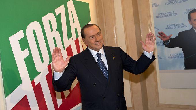 Berlusconis Minister verlassen die Letta-Regierung.