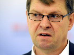 SPD-Landeschef Ralf Stegnerstand nicht mehr hinter Gsachke.