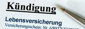 Nach deutschem Recht verlor der Kunde sein Rücktrittsrecht spätestens ein Jahr nach Zahlung der ersten Versicherungsprämie.