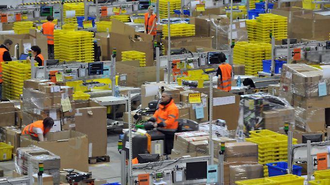 Hochbetrieb in Amazons Leipziger Logistikzentrum.