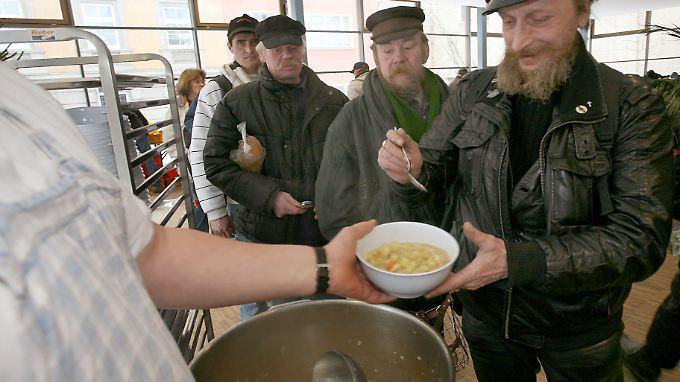 Auf die Unterstützung von Suppenküchen sind, so wie hier in Berlin, immer mehr Menschen in Europa angewiesen.