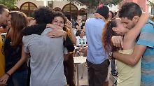 Dutzende demonstrieren in Rabat: Marokkaner küssen für mehr Toleranz