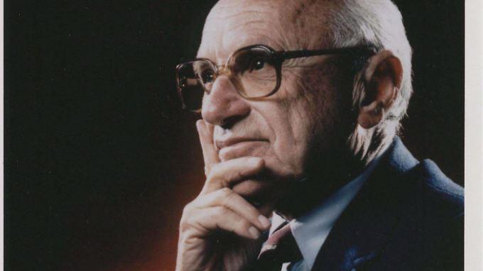 Milton Friedman (1912-2006) erhielt 1976 den Wirtschaftsnobelpreis.