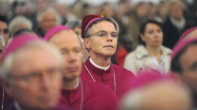 Seit Tagen im Mittelpunkt der Kritik: der Limburger Bischof Franz-Peter Tebartz-van Elst.