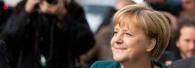 Angela Merkel ist beim Volk so beliebt wie nie. Doch die Riesen-Spende kratzt an ihrer Glaubwürdigkeit.