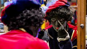 """""""Zwarte Piet"""" zu schwarz?"""