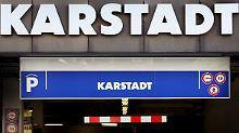 Warenhausbetrieb mit Leiharbeitern: Karstadt-Mitarbeiter streiken