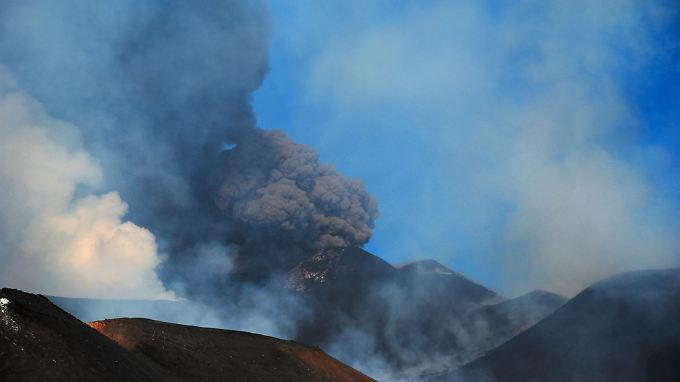 Europas aktivster Vulkan speit wieder Feuer: Auf Sizilien ist der Ätna ausgebrochen.