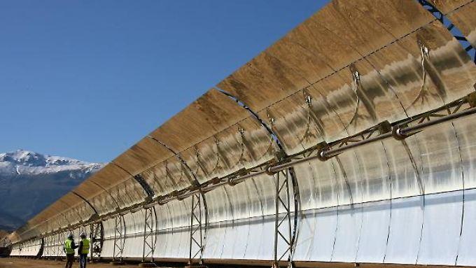 Riesige Solaranlagen (hier eine im spanischen Andalusien) sollen in Nordafrika entstehen.