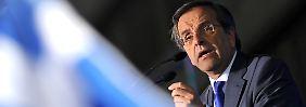Antonis Samaras will bei seinem Berlin-Besuch offenbar um weitere Schuldenhilfen bitten.